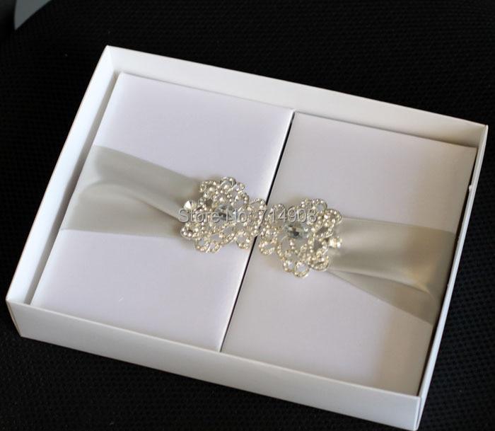Luxurious White Silk Foliogate Wedding Invitations Box Top Quality