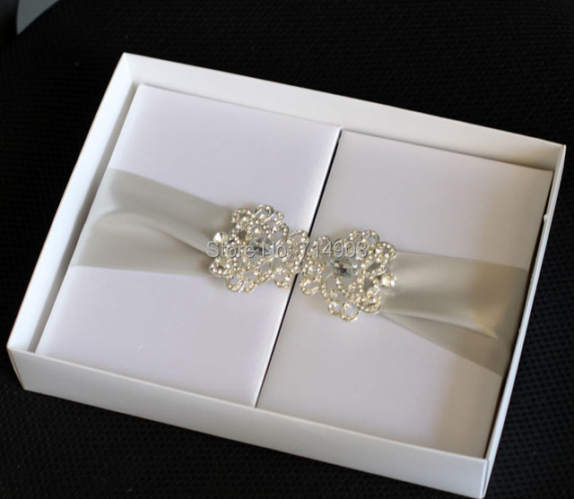 Price For Wedding Invitations: Luxurious White Silk Foliogate Wedding Invitations Box Top