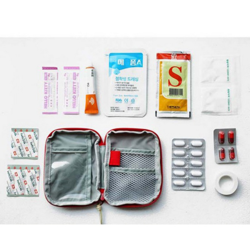 Portable Mini Outdoor Travel Bag First Aid Emergency Medical Kit Survival Bag Wrap Gear Small Kit