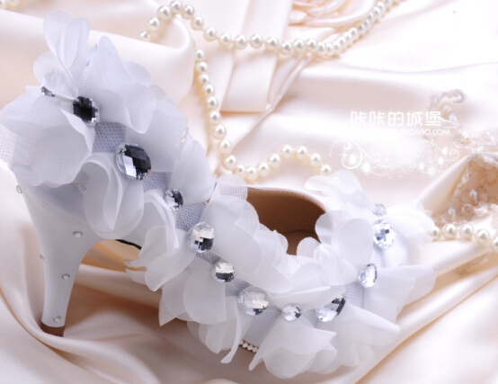 ФОТО Sexy lace wedding pumps shoe flower pearl rhinestones wedding pumps bridal's shoe dress prom dinner parties pumps