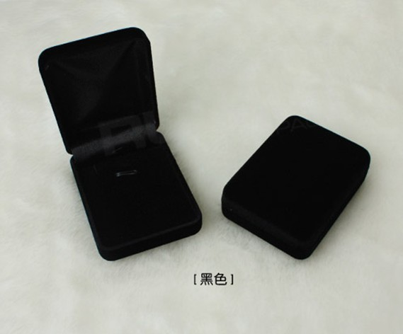 Free shipping Wholesale 12pcs/Lot 8x6x3cm Black Fashion Velvet Jewelry Necklace Gift Packaging Display Box Case