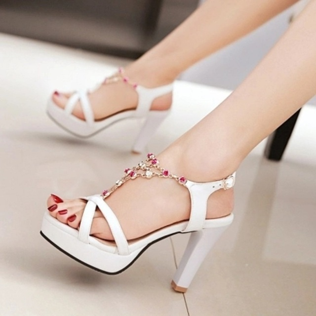 456a9d49ff 2018 Summer New Sweet Color Diamond Hollow Platform Sandals Ladies Fashion  High Heels Women S Shoes