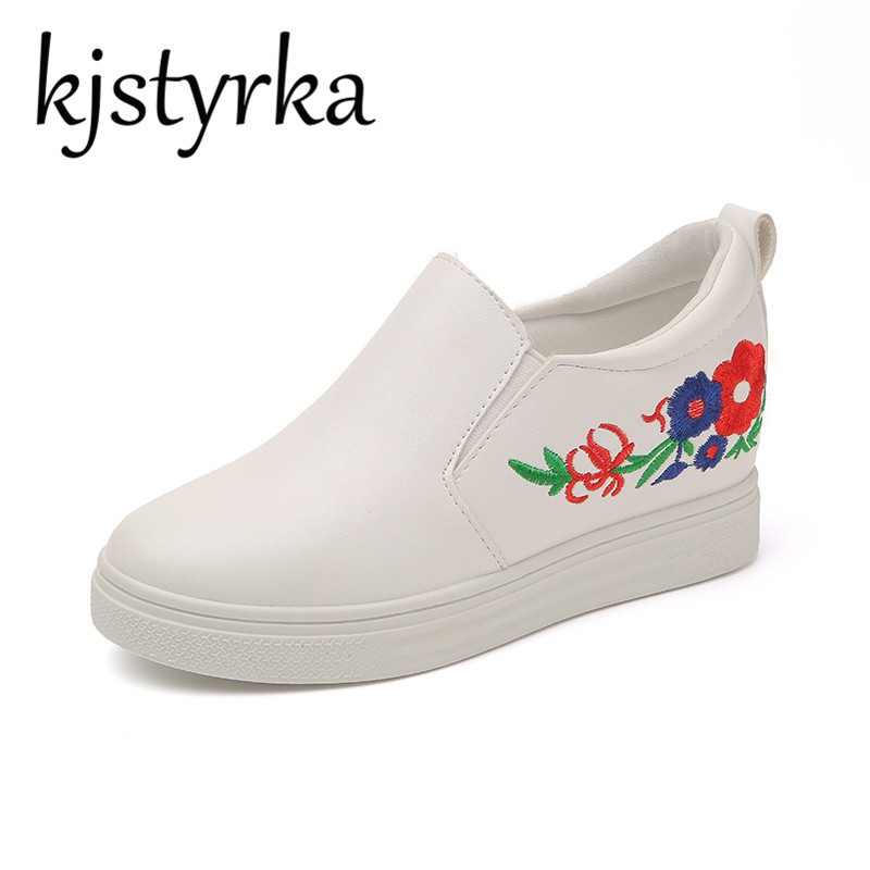 Kjstyrka 2018 Spring Slip On Height Increasing elevator High Heels Loafer Shoes Ladies Casual embroidery Shoes Women Pumps