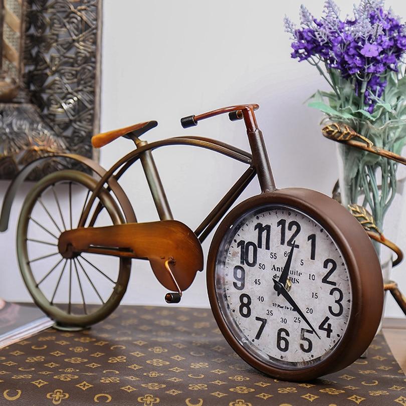 Grande taille horloge de bureau de style Européen rétro minimaliste maison horloge creative personnalité métal vélos forme horloges décoration de la maison