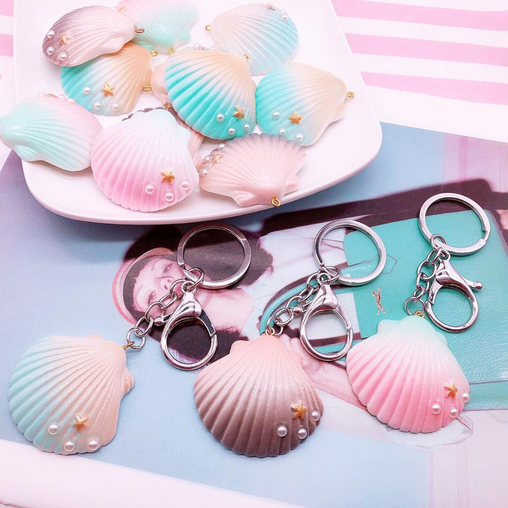 Glitter Resin Shell KeyChain for Girls Lovely Fashion Conch Vocation Key Chain Ring Wholesale Women Accessories Gift Jewellery