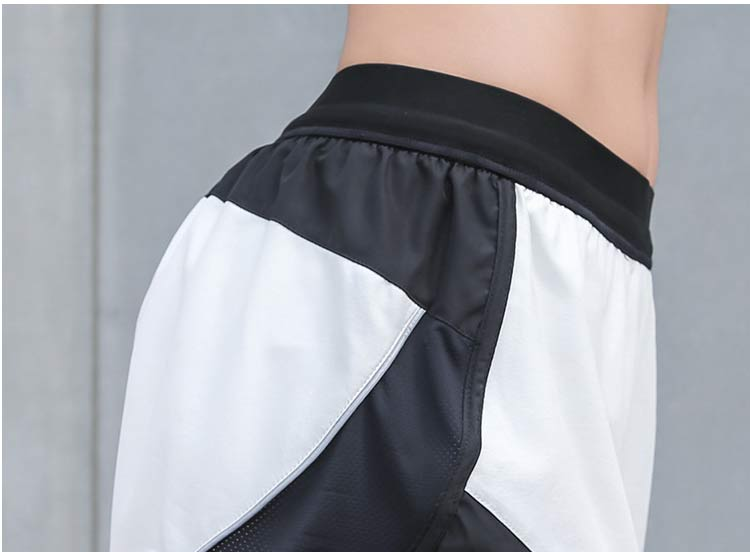 Women-Running-Yoga-Shorts_17