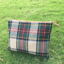 Wholesale Blanks Plaid Tartan Cosmetic Bag Wool Acrylic Soft Material Cosmetic Case Makeup Bag with Zipper