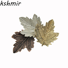 2016 fashion ladies three color maple leaf brooch