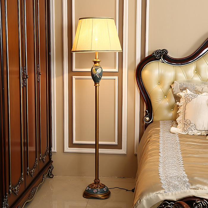 Qiseyuncai Nordic art floor lamp fashion creative living room vertical table lamp simple retro bedroom bedside lamp