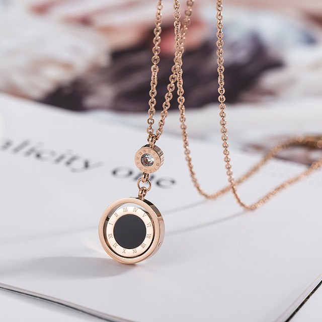 Lady Jewelry Double Circle Roman Numeral Necklace For Women Turnable Black White Shell Pendent Necklace Jewelry Party K0030 2