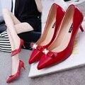 Primavera e no outono nova moda sapatos de salto alto feminino apontou patente PU de couro com borboleta grandes sapatos de casamento vermelho sexy comforta