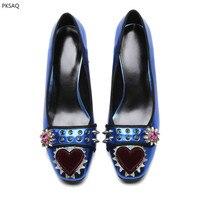 Весна Модные женские туфли с заклепками со стразами квадратный носок на высоком каблуке синие серебряные свадебные вечерние туфли лодочки