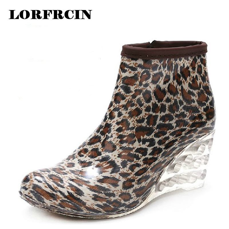 Women Rain Boots Wedge High Heel Rainboots Ankle Botines Mujer Waterproof Rubber Boots Wellies Femininas Botas Water Shoes 2017 rubber high red zipper boots horse riding gumboots rainboots women rain boots botte de pluie stivali donna wellies bot