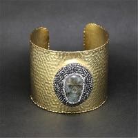 Classic natural labradorite teschio di strass fascino color oro puro aperto big ampia martellato metallo del braccialetto del braccialetto del polsino per le donne