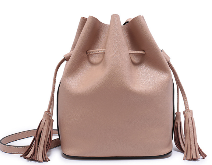 New Genuine Leather Tassel Scrub Bucket Bag Fashion Simple Female Shoulder Bag Vintage Hot Messenger Bag Elegant Handbag C072 new vintage genuine leather lady shoulder bag fashion portable elegant women handbag hot classic exquisite messenger bag c481