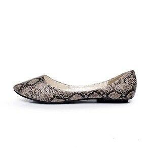 Image 2 - BEYARNE plus size35  41 nowych kobiet mieszkania moda wzór skóry węża płaskie buty kobieta obuwie damskie mokasyny