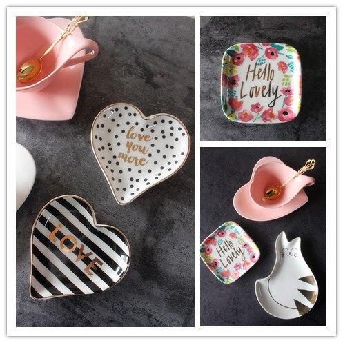 Экспорт Европейский поп-ювелирные изделия кольца коллекция пластины дома для прекрасный моделирование и дизайн золотой письмо конфеты лоток