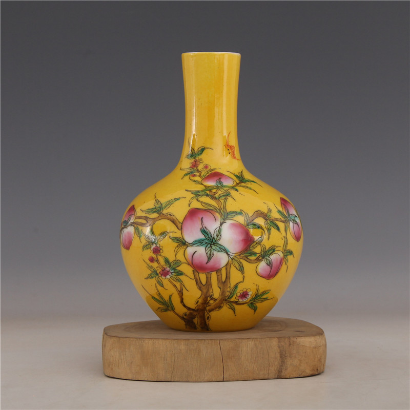 Republic of China Ju Ren Tang pastel peach ceramic vase celestial bottle second hand goods antique porcelain vase