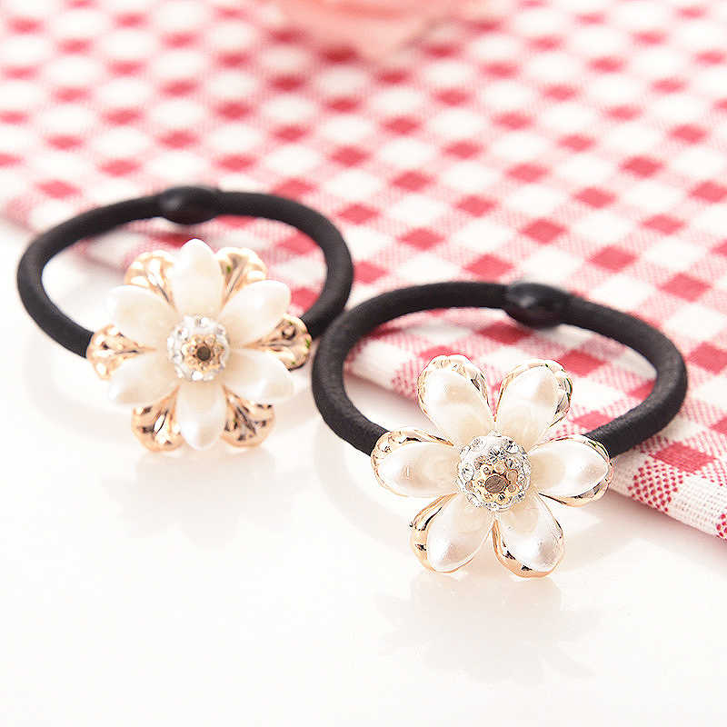Hot 1PC/3PCS Korean Rubber Girls Pearl Hair Rope for women Handmade 2018 New Elasticity Women Flower Hair accessories