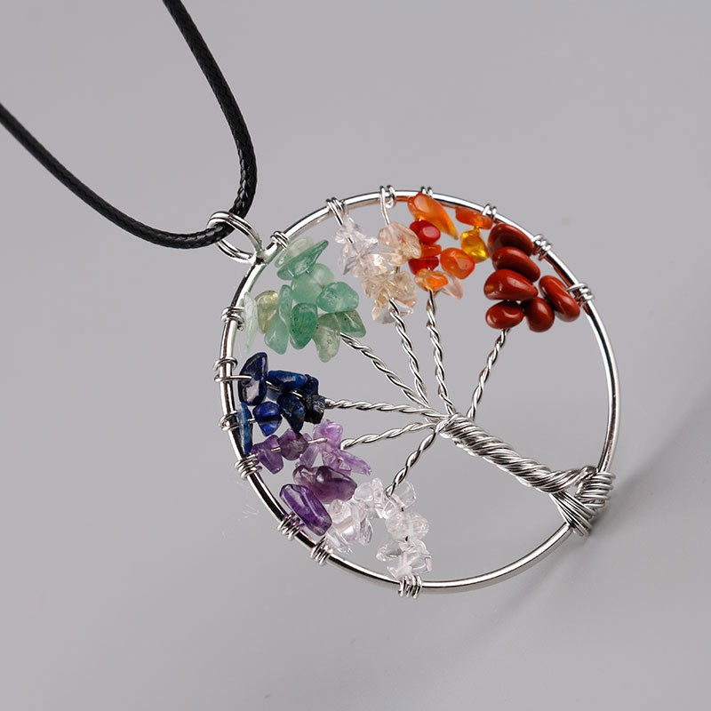 Kvinnor Rainbow 8 Chakra Pendentif Amethyste Tree Of Life Quartz Chips Hängsmycke Halsband Multi Wisdom Tree Natural Stone Necklace
