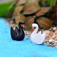 4Pcs/ Lot White Swan Fortnite Miniature Figurines Kerst Huisjes Decoratives Maison Christmas Village Spiritual Decoracion Hogar