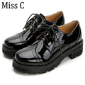 2016 Retro Oxfords Brogue Women Shoes Fashion Patent Leather Platform Casual Shoes Round Toe Flats Lace Up Plus Size 40 WFS521