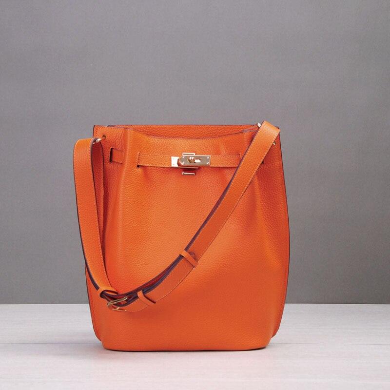 2017 New Genuine Leather Handbag Large Bucket Bags Handbags Women Famous Brands Soft Split Leather Designer Lock Crossbody Bag