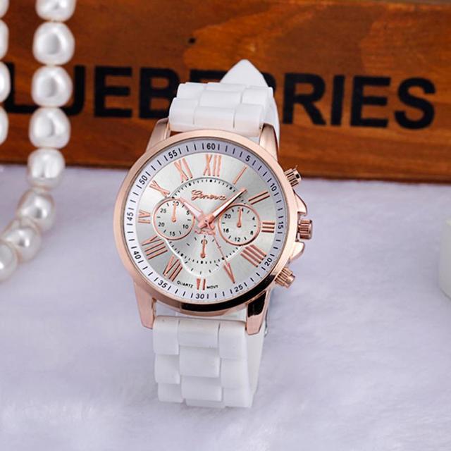 Susenstone Gold Crystal Geneva Watches Woman Top Brand Luxury silicone wristwatc