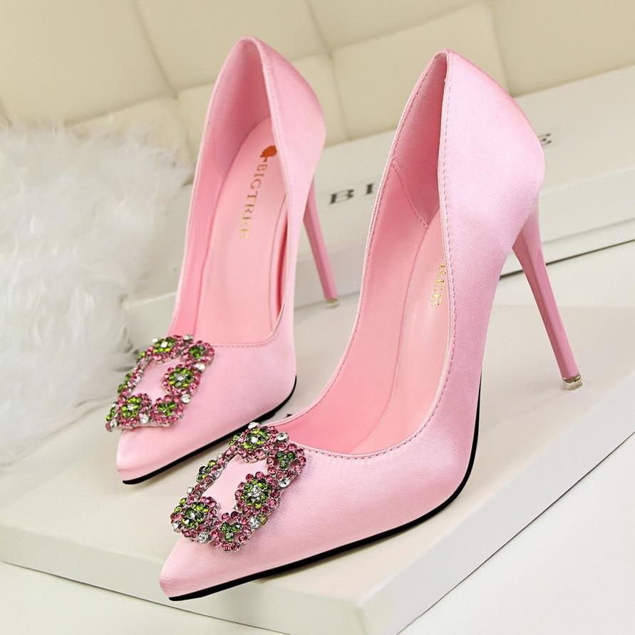 = Новое Прибытие Европейская мода для торжеств обувь на высоком каблуке с острым носком Элегантные туфли-лодочки кристалл лук Неглубокие то...