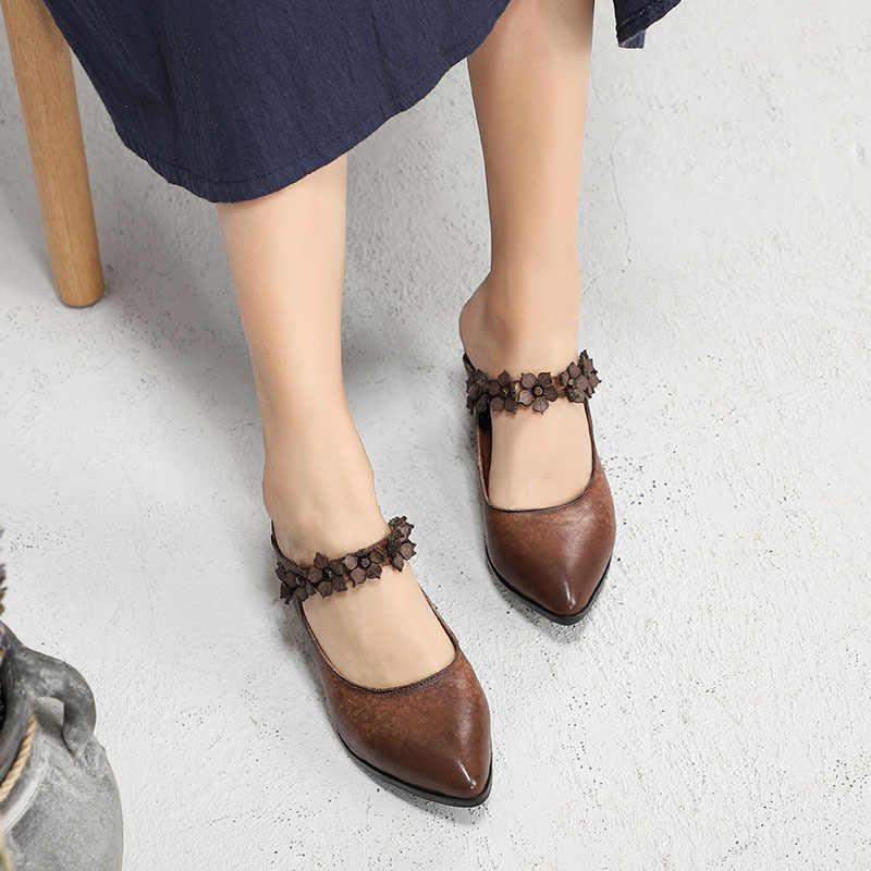 GKTINOO 2019 Mùa Xuân Mùa Hè Trượt Giày Mới Retro Toe Nhọn Phụ Nữ Dép Đi Trong Nhà Hoa Vừa Gót Dép Da Chính Hãng