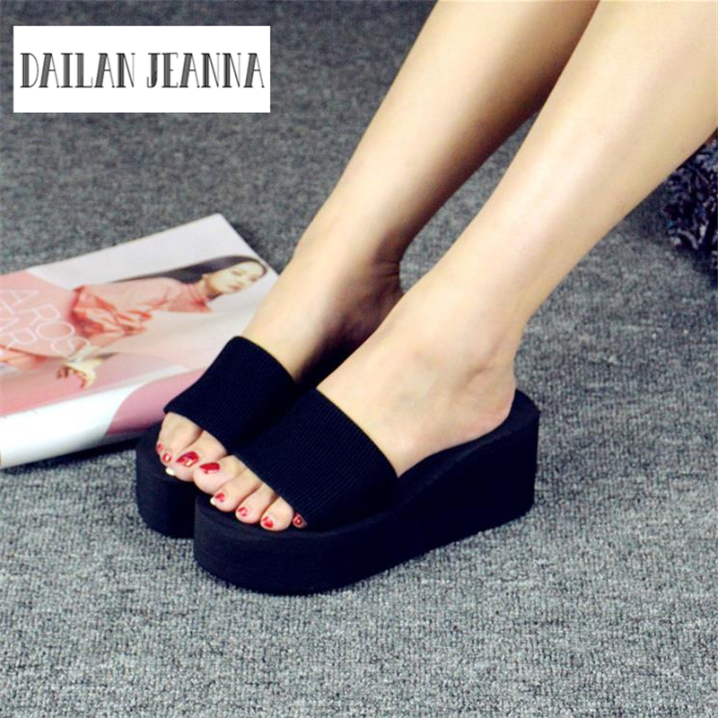 European new summer beach slippers and Korean ladies sandals, high heeled slippers 2018 summer ladies sandals leisure casual and european style slippers in europe and america