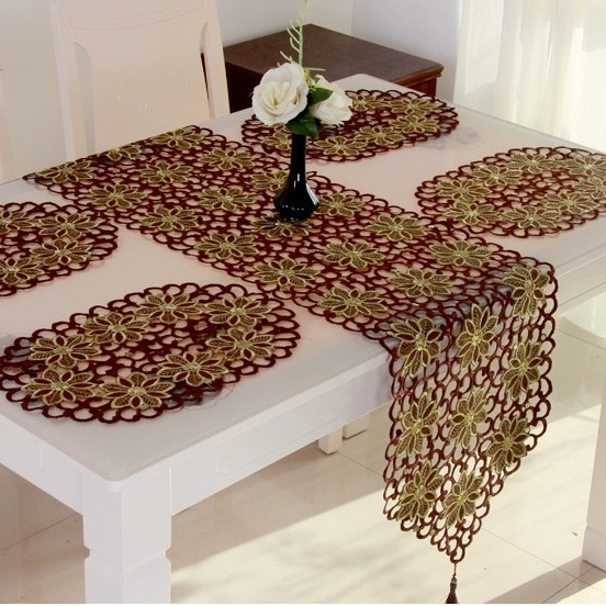 vezon New Hot Sale Christmas Embroidery Tablecloth Coffee Color Full