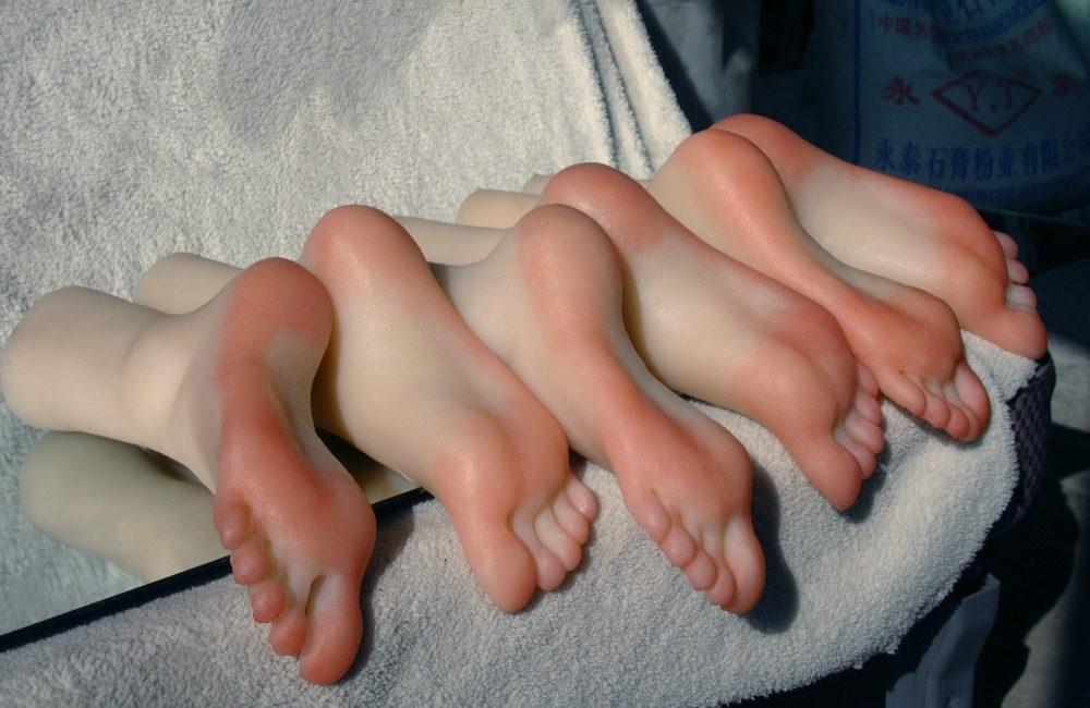 Simulation silicone feet model real skin texture shoe mold full mold beautiful full size Foot Fetish