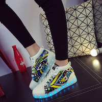 2019 New Shoes for Women Luminous Sneakers Graffiti Woman Glowing Illuminated Sneaker LED Light Up USB Charging Led Slippers