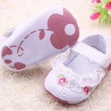 2016 New Infant Baby Girl First Walkers Floral Lace Prewalker Shoes Soft Sole Crib Shoes For