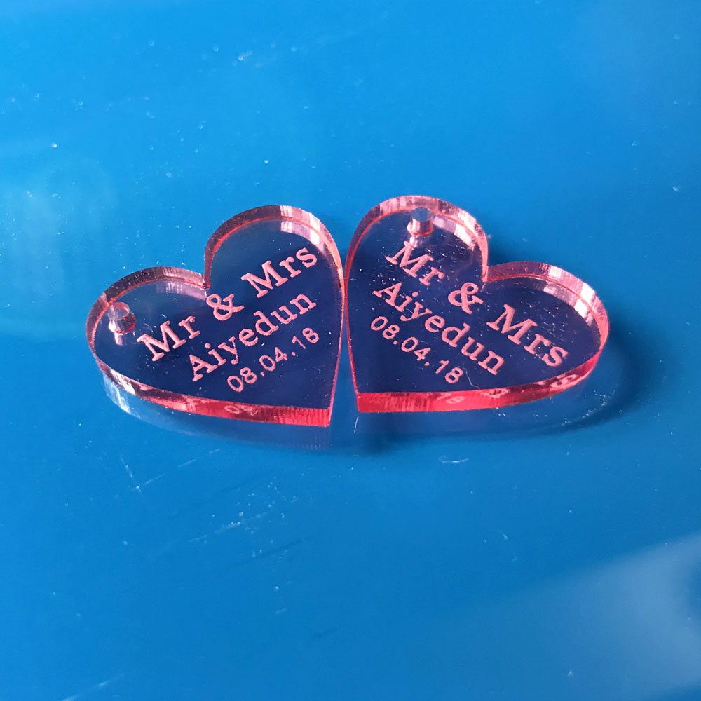 100 pcs Customized Red Crystal Heart Personalized MR MRS Love Heart Wedding souvenirs Table Sign Decoration Centerpieces tags