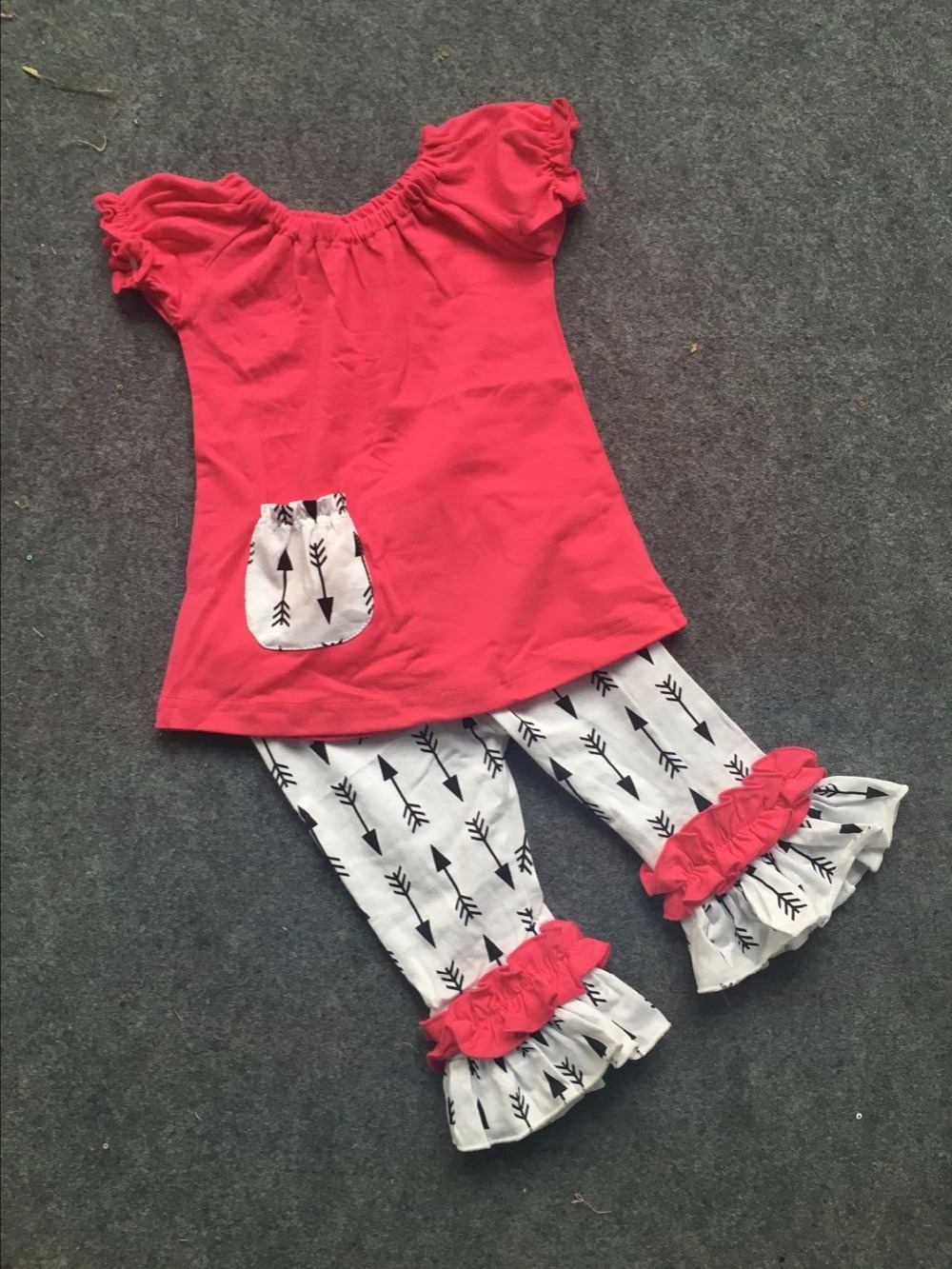 Shirt design for baby girl - Aliexpress Com Buy 2016 New Baby Kids Summer Design Hot Pink Shirt Girls Boutique Clothing Arrow Capri Set Girls Cute Outfits Set From Reliable Set Girl