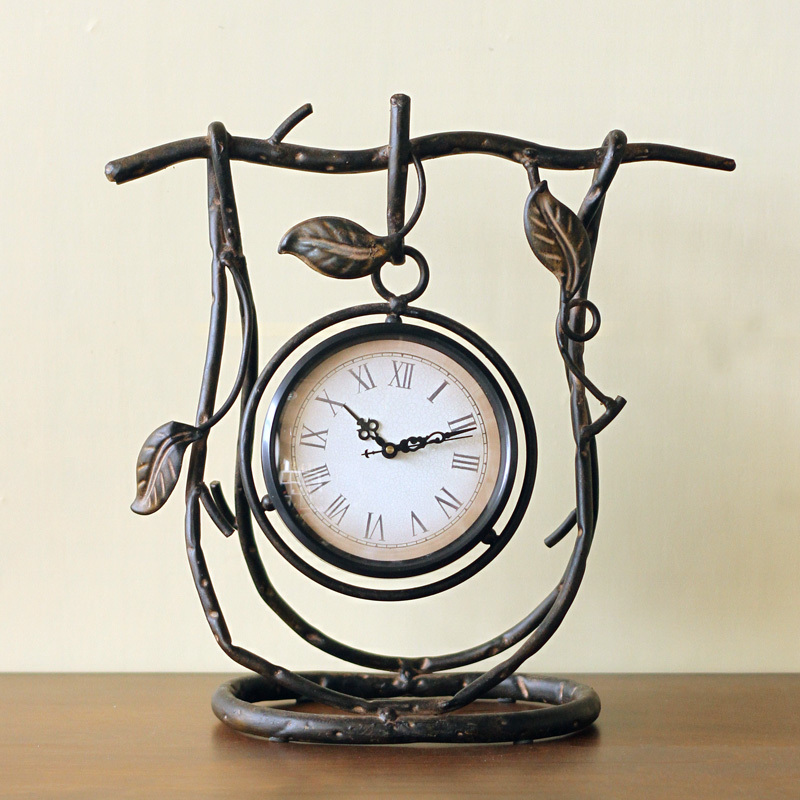 European style retro watch old vine leaves Antique Iron metal clock clock creative living room decor Home Furnishing