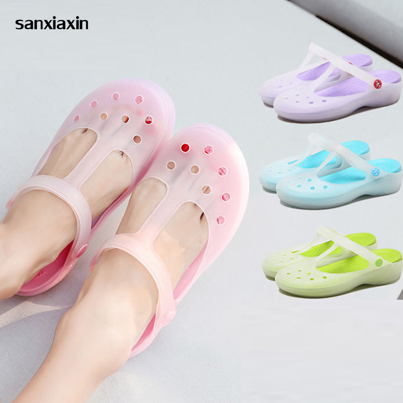 New Surgical Comfortable Soft Shoes Doctor's Nurses Medical Shoes Hole Breathable Slippers Cleanroom Operating Room Lab Slippers