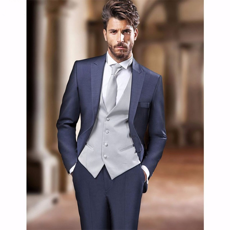 5a82d03f7db6 2017 Italian Style Navy Blue Groom Tuxedos 3 Piece Slim Fit Mens Wedding  Prom Dinner Suits Best Man Suit blazer terno casamento