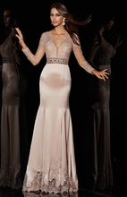 Elegante Meerjungfrau V-ausschnitt Langarm Spitze Overlay Bandage Open Back Sleeveless Licht Rosa Satin Stoff Abendkleid Muster