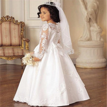 2016 Fsahionable White Lace Applique Long Sleeve Flower Girls Dresses with Train Communion Dresses Kids Frock Designs