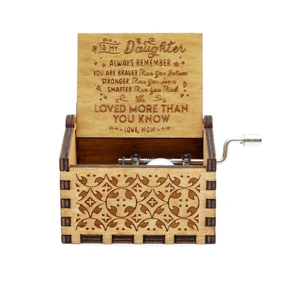 Новая музыкальная шкатулка QUEEN LOVE DAD And LOVE MAM My Sun музыкальная старинная резная деревянная рукоятка мама и подарки для папы подарок на день рождения - Цвет: LOVE MOM