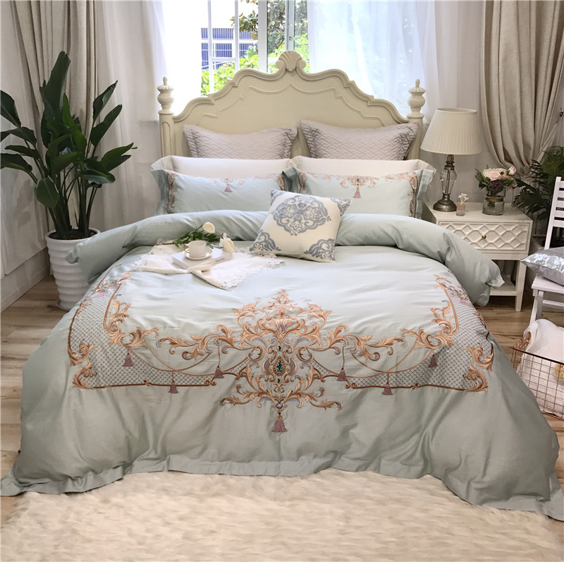 2018 Egyptian Cotton Bedclothes light green embroidery Bedding Set Queen king Size Quilt Cover Pillowcase flat Bedsheet2018 Egyptian Cotton Bedclothes light green embroidery Bedding Set Queen king Size Quilt Cover Pillowcase flat Bedsheet