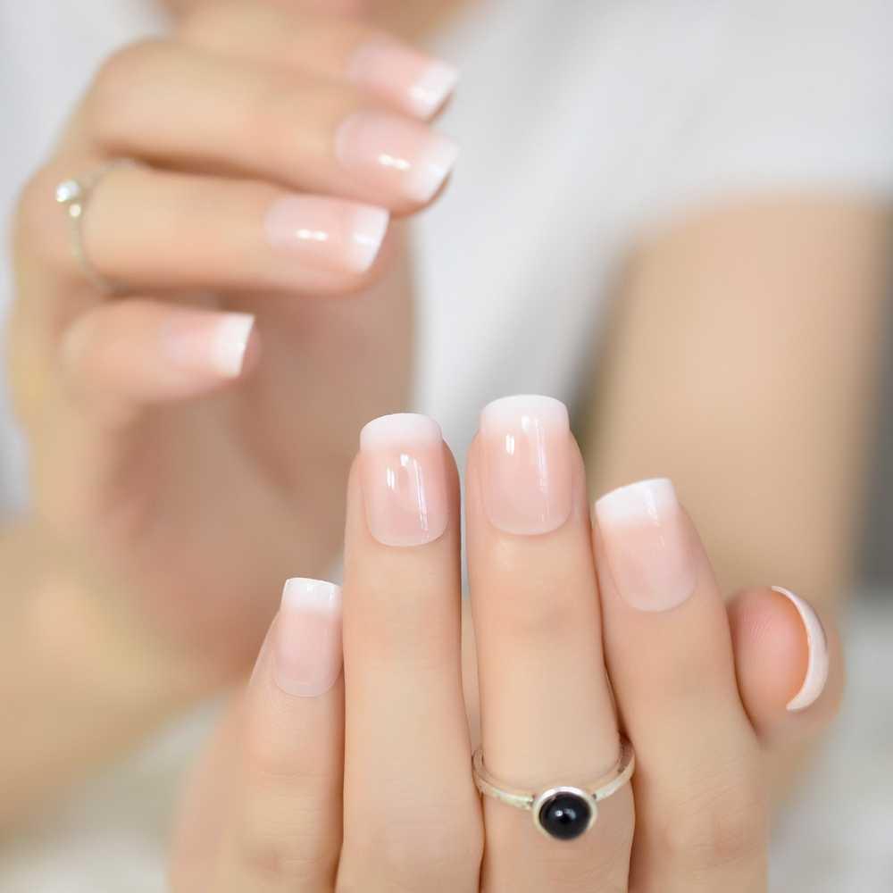 24Pcs Oval Fake Nails Emeald Green False Nails Candy Short