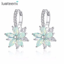 LUOTEEMI Cute Romantic Lovely Clear Stone Flower Shape Convenient Simple Stud Earrings Copper Cubic Zirconia For Women Party cheap Fashion E-2017090185 Geometric Cute Romantic Screw-back 22 23mm*13 6mm 4 22g Lead Nickel Cadmium free Wedding Anniversary Prom Party