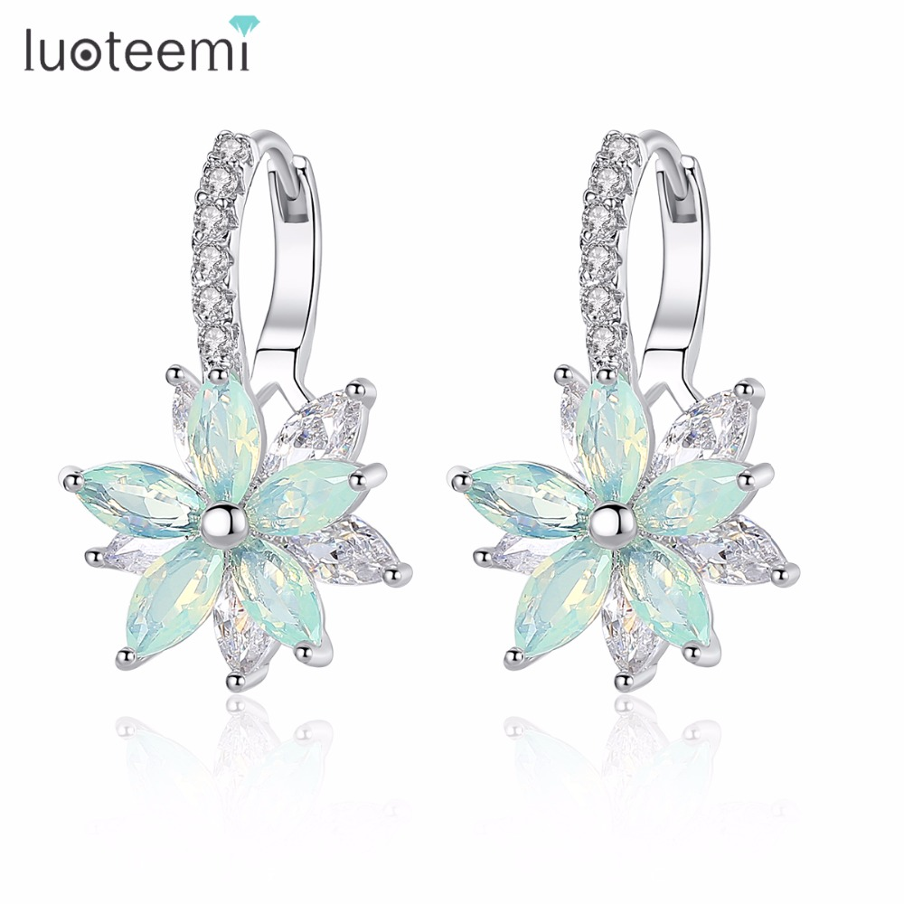 LUOTEEMI Cute Romantic Lovely Clear Stone Flower Shape Convenient Simple Stud Earrings Copper Cubic Zirconia For Women Party