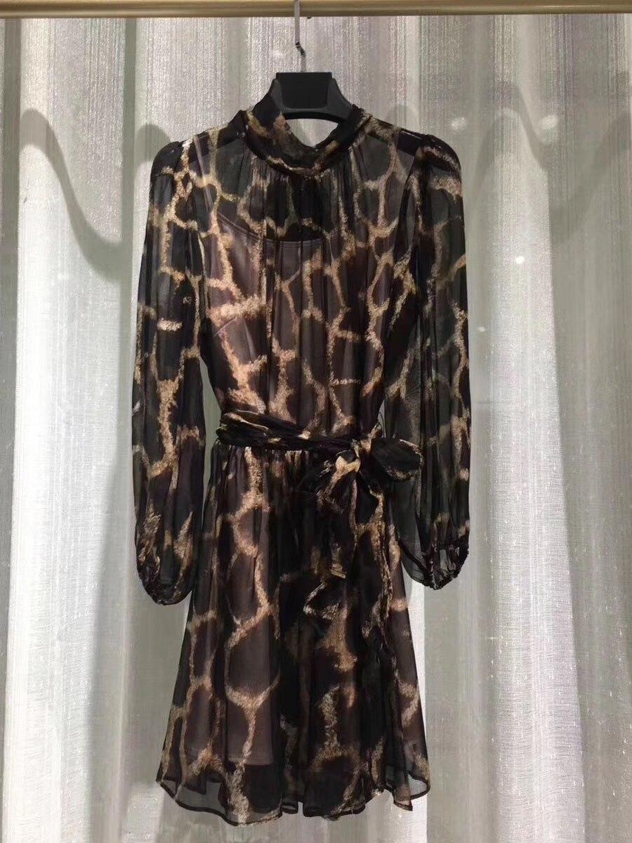 Леопардовое шелковое платье 2019 сезон: весна лето Лидирующий бренд высокое качество Италия модные женские Роскошные платья