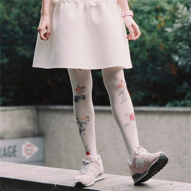 Princess sweet lolita pantyhose Original Japanese harajuku Retro sweet rose floral printed  pantyhoseLKW23
