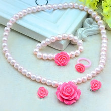 ad4253f098df 1 Unidades Venta caliente niños Niñas niño imitación perla flor forma collar  + pulsera + anillo + ear Clips joyería regalo cx17